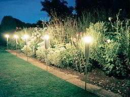 iluminacion en jardines