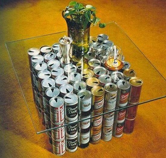 mesa lata refrescos