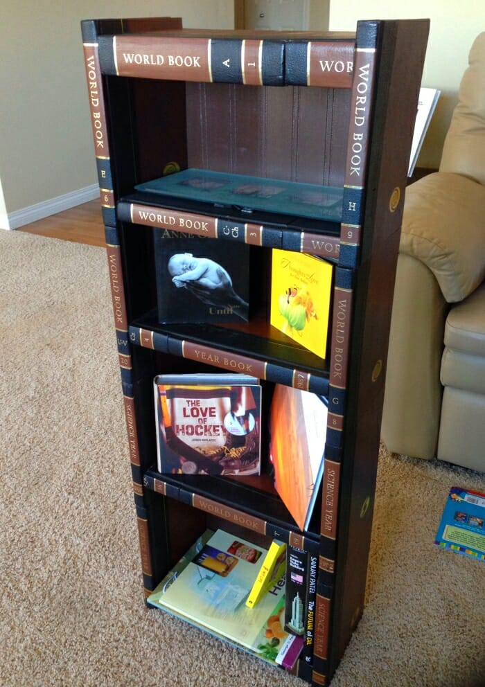 estanteria libros viejos